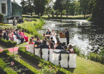 Hulp bij bruiloft